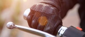 port du gant obligatoire en moto