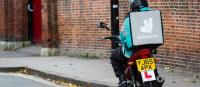 concurrence livreurs de repas a motos
